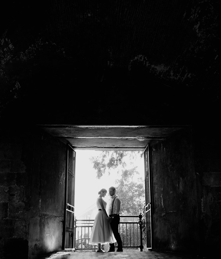 Artistic b/w wedding portrait