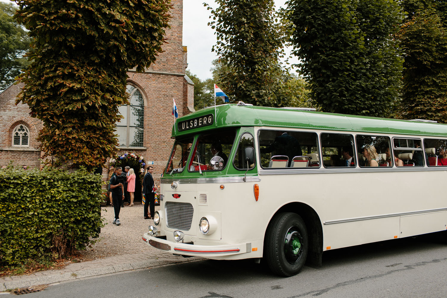 Wedding Bus Dorpsstraat Hall Hallse Kerk