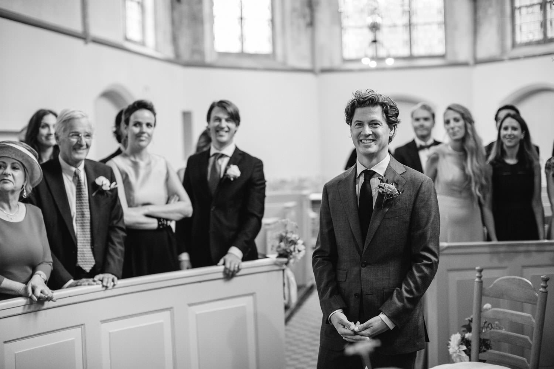 Groom Waitin at Dorpsstraat Hall Hallse Kerk huwelijk